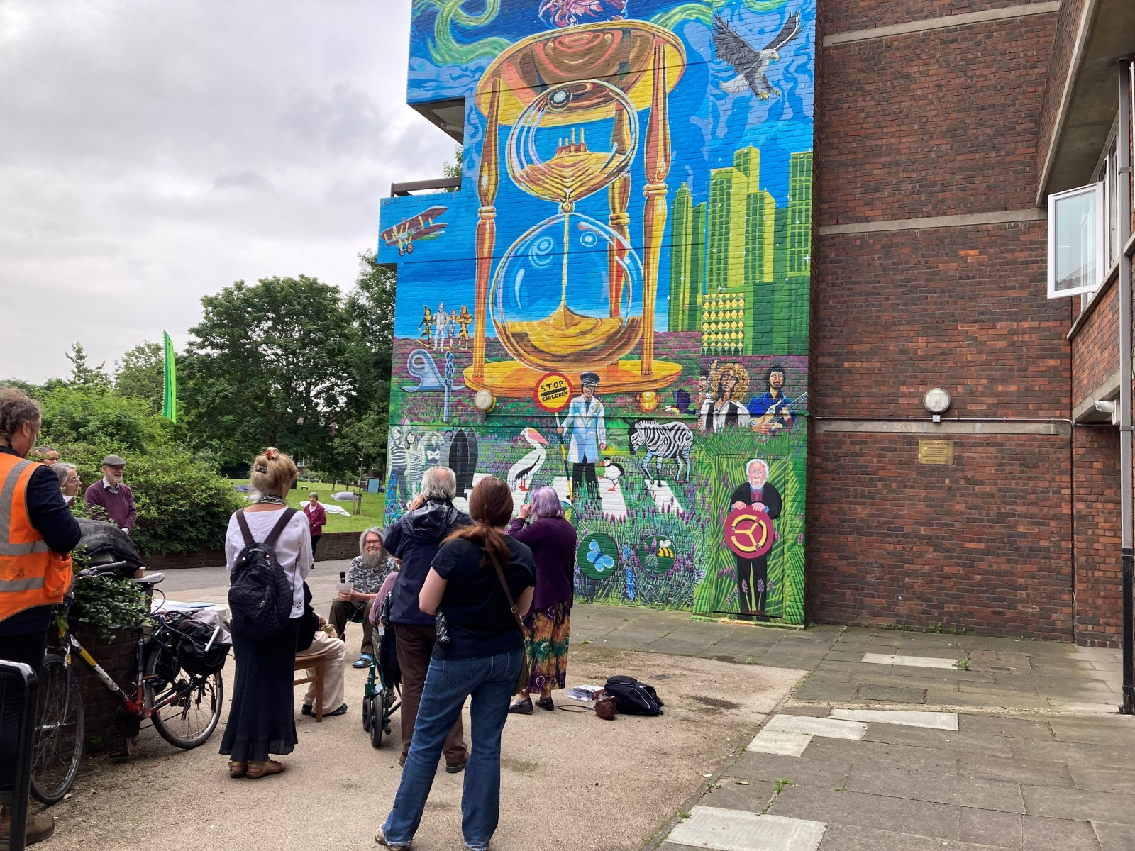 Happy Streets Festival: Artist Brian-Barnes Mural talk