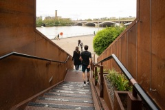 Thames Path at Chelsea Bridge