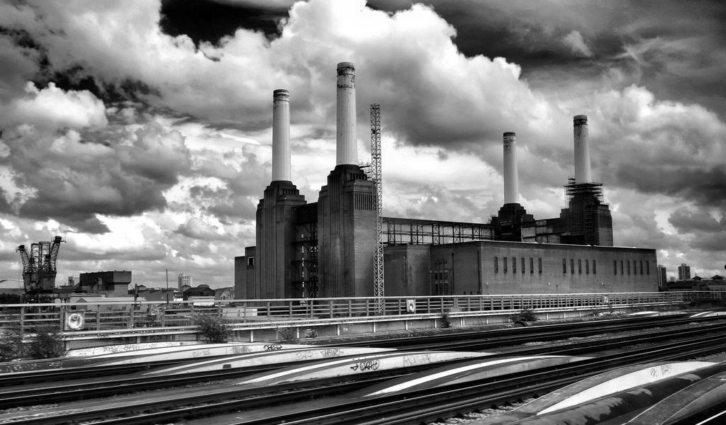 Battersea Power Stn Fires Up